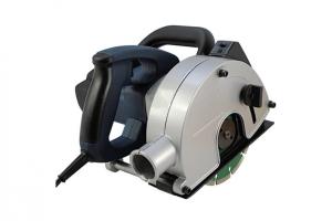 mauernutfraese-schlitzfraese-mit-laser.jpg